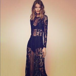 ⚡️✈️ THE JETSET DIARIES Yasmin dress!